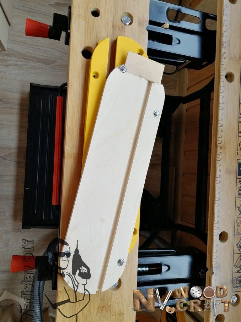 Вкладыш нулевого зазора с регулировочными винтами (вид снизу)